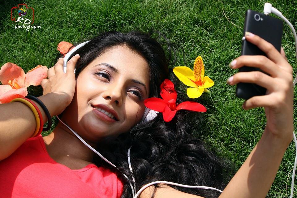 sayali-sanjeev-marathi-actress