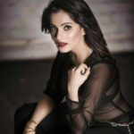 priya-bapat-latest-photos-bio-wallpapers-2