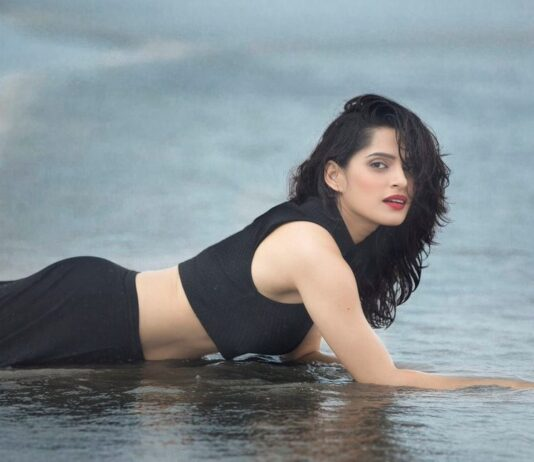 priya-bapat-latest-photos-bio-wallpapers-6