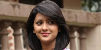 Tejashree-Pradhan-bio-wiki-birthday-husband