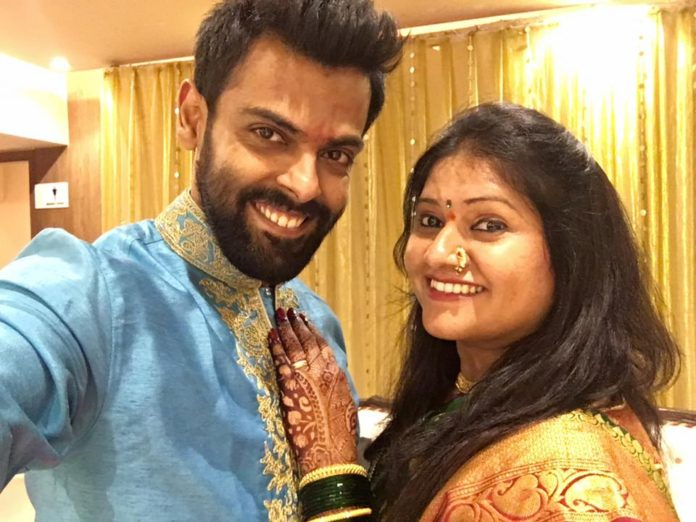 Rohan Gujar Engagement Photos